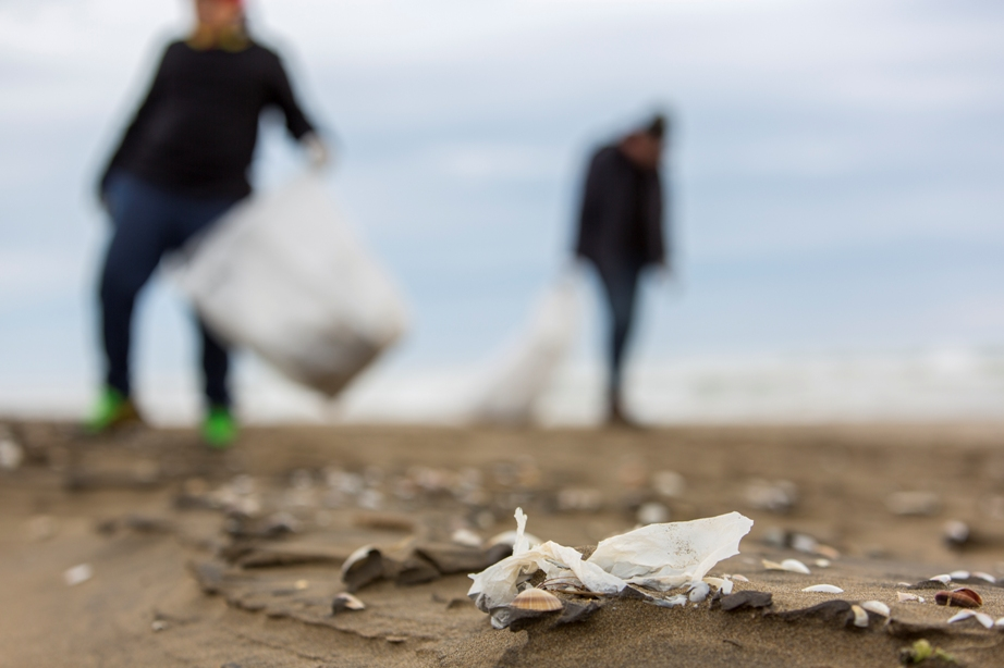 Marine litter in Mediterranean coastal and marine protected areas – How bad is it?